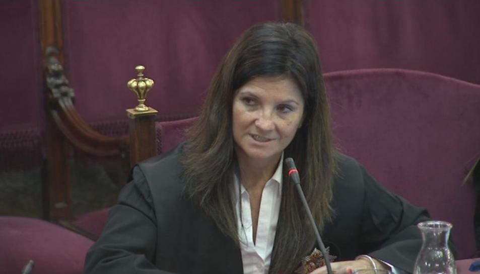 Pla mitjà de l'advocada de l'Estat Rosa María Seoane durant l'informe final.