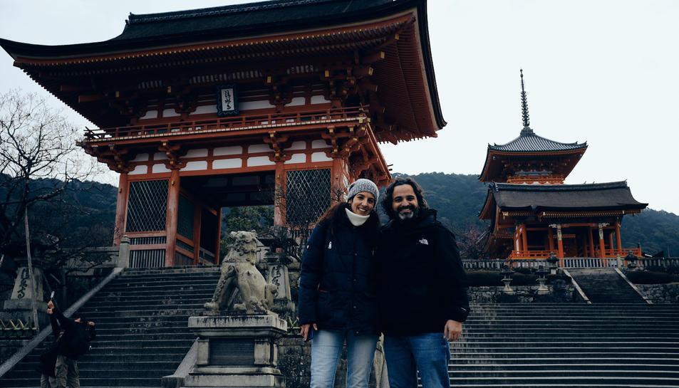 Lluís Camell amb la seva parella durant el seu viatge al Japó.