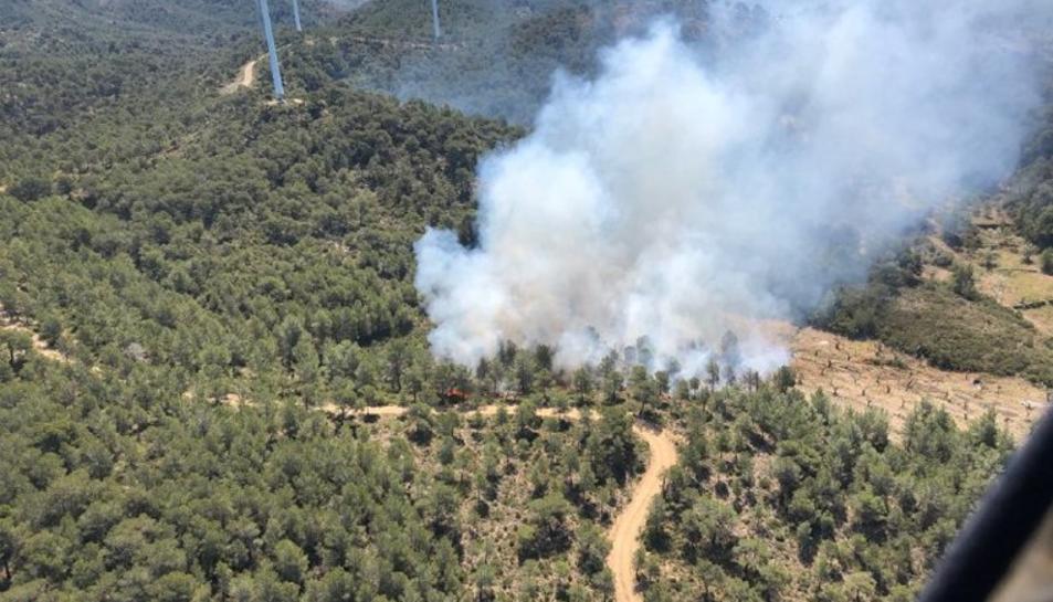 Imatge aèria de l'incendi a la Collada del Perelló.