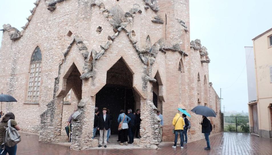 Durant la presentació del projecte Territori Jujol, s'han fet visites a les esglésies de Vistabella (a la imatge) i Vallmoll.