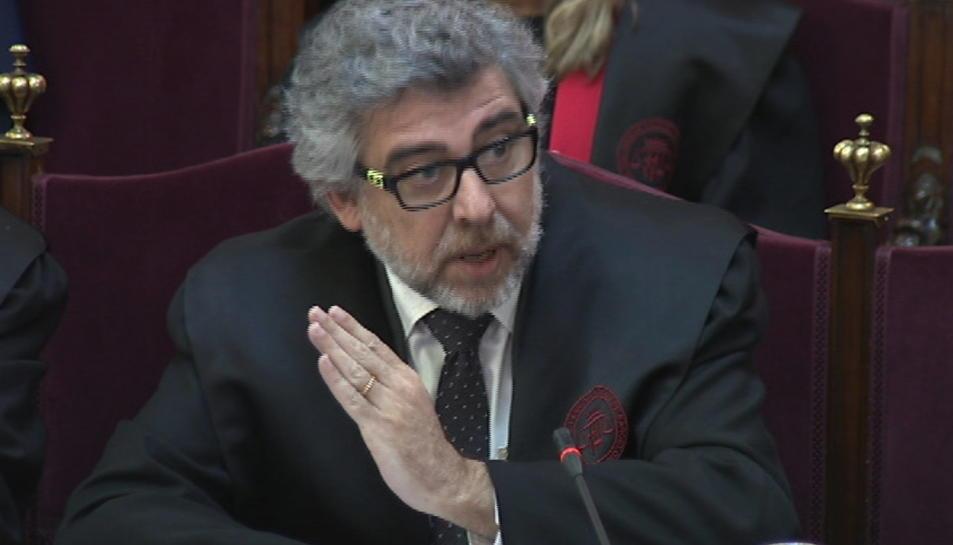 L'advocat de Jordi Sànchez, Jordi Turull i Josep Rull, Jordi Pina, durant el seu informe final al Suprem.