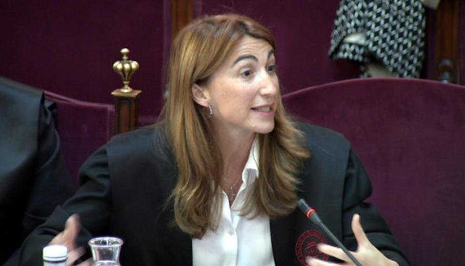 La lletrada de Borràs, Judit Gené, defensant l'informe final al Suprem.