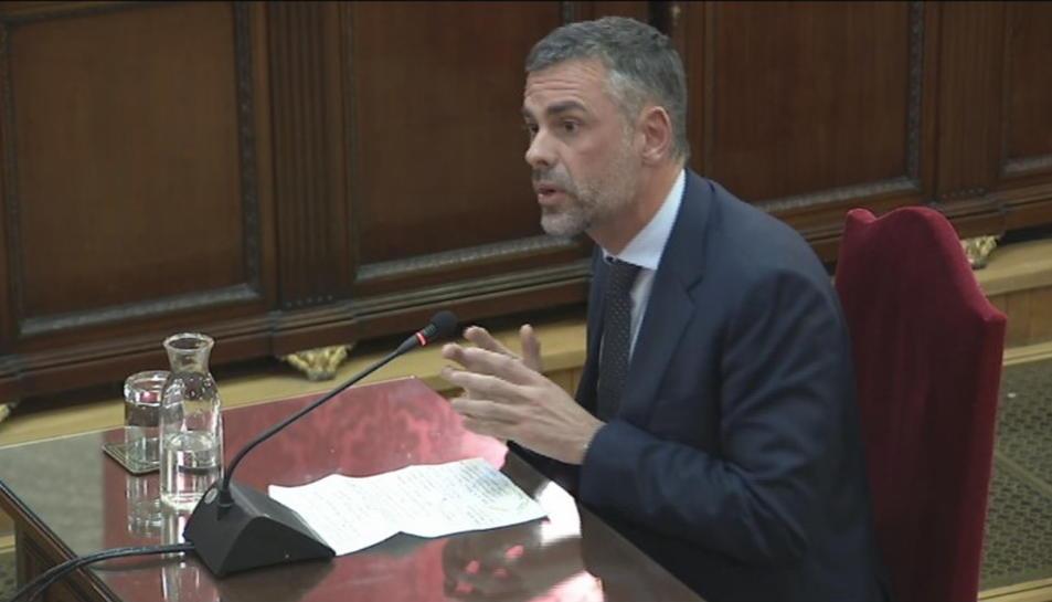 Pla general de Santi Vila durant l'últim torn de paraula al Tribunal Suprem.