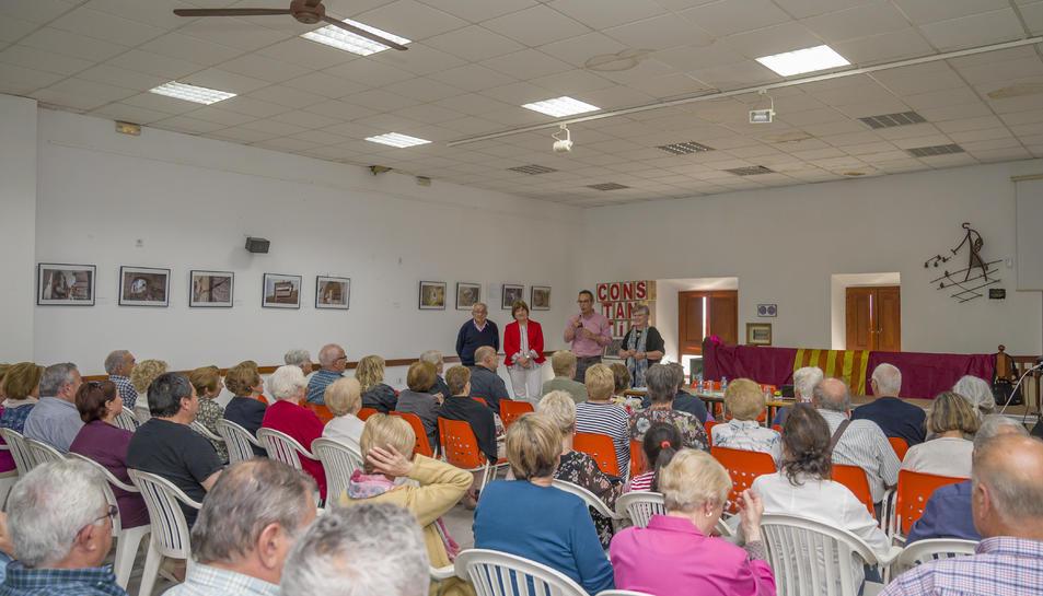 Imatge de la cloenda del curs de les Aules Universitàries per a la Gent Gran de Constantí.