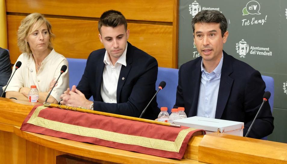 Kenneth Martínez al plenari de l'Ajuntament del Vendrell.