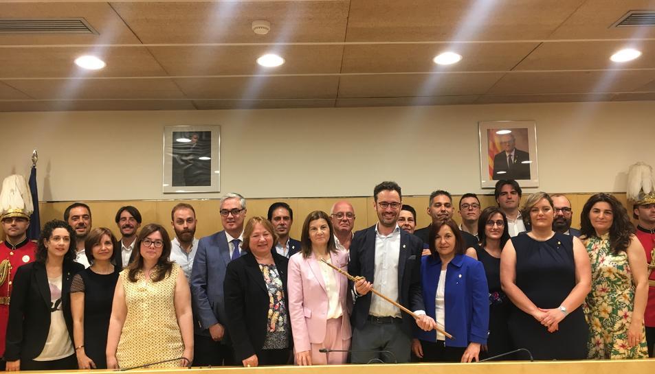 Els nous regidors que conformen el plenari de Vila-seca d'aqust mandat.