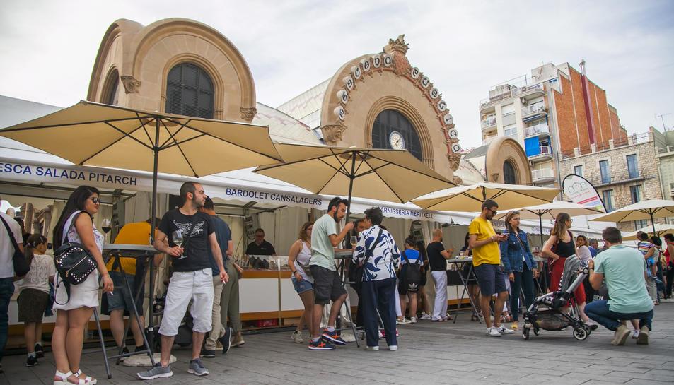 El fet que la Fira del Vi fos a Corsini va ajudar a una major presència de parades de menjar.