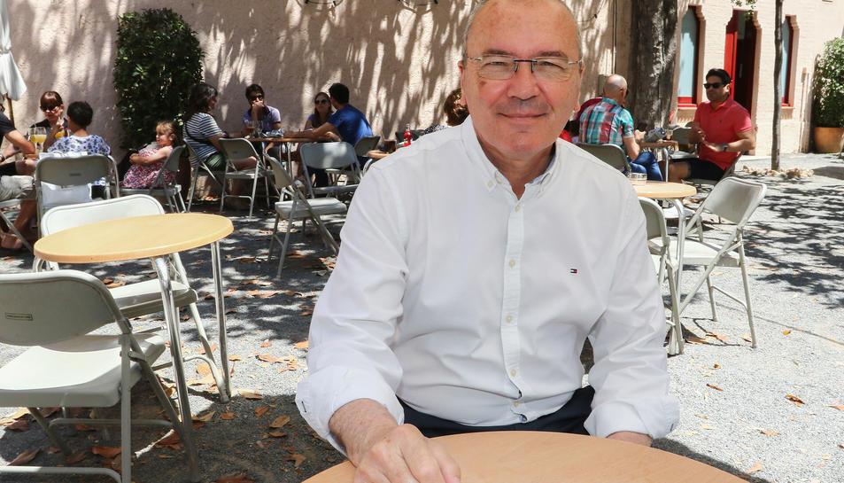 L'alcalde Carles Pellicer, l'endemà de la investidura, als Jardins de la Casa Rull.