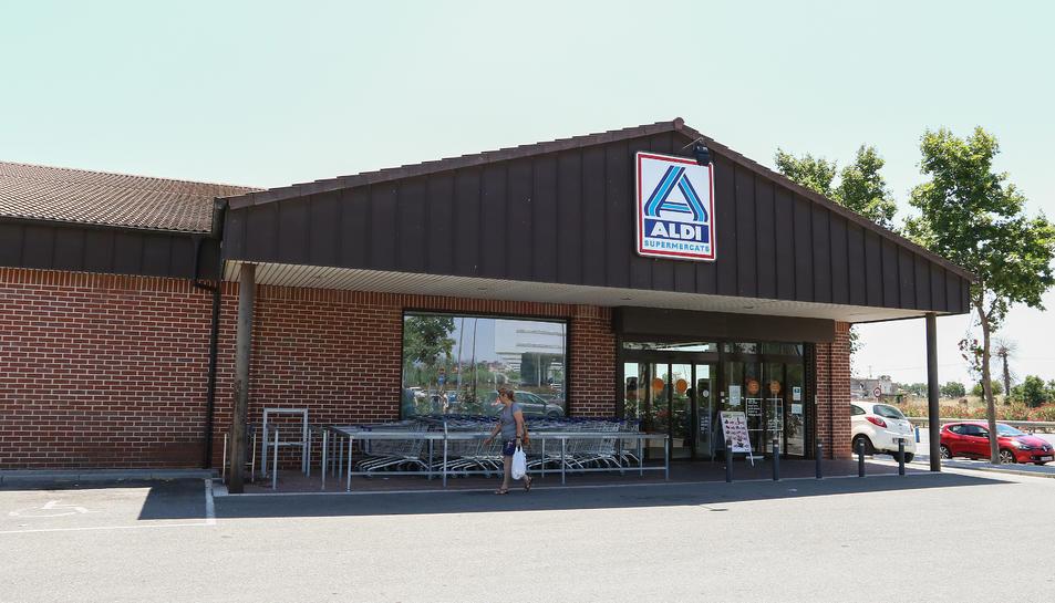 Actualment la cadena té dos supermercats a la ciutat.