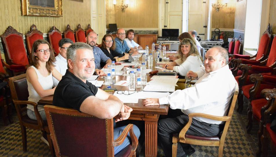 Primera reunió del nou equip de govern municipal.