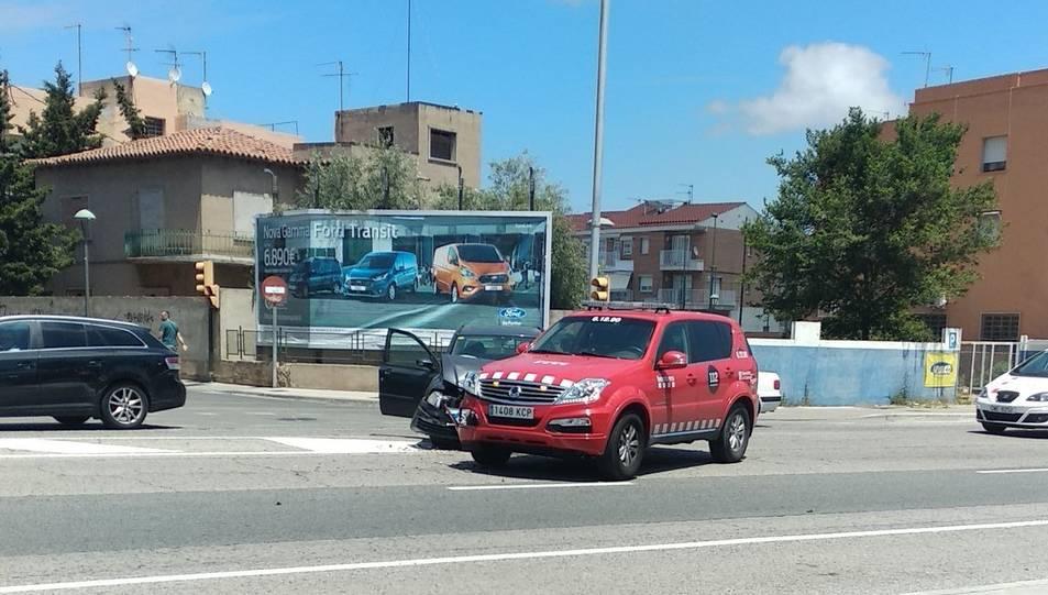 Imatge dels dos vehicles que han topat a la Carretera de València.