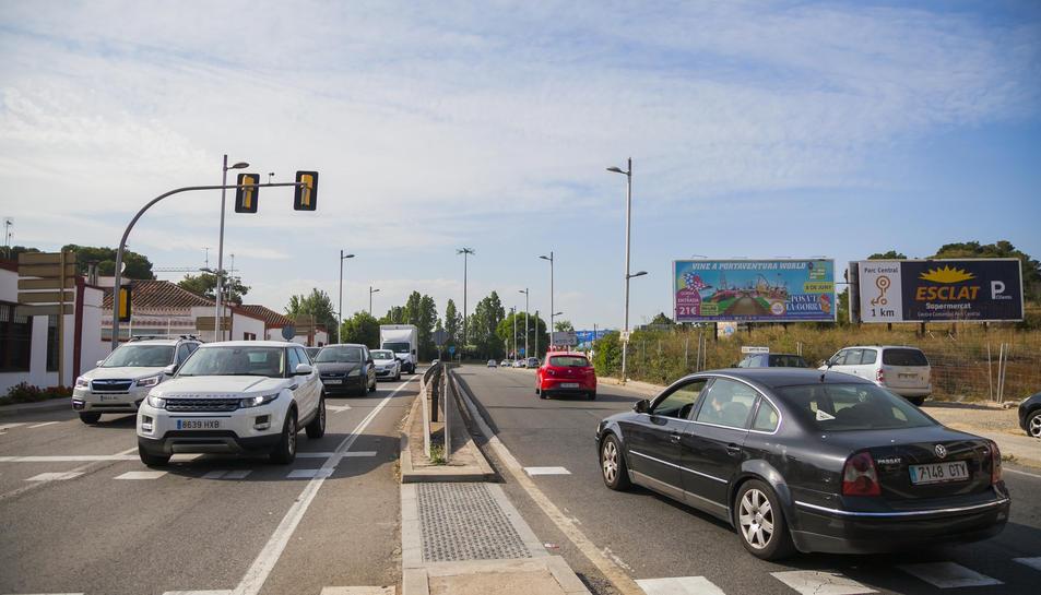 L'avinguda Andorra, en direcció a Valls, en una imatge presa ahir.