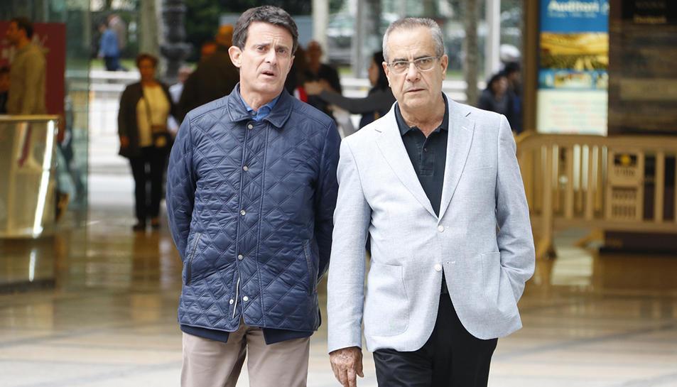 Manuel Valls, i l'exministre i exalcalde de l'Hospitalet de Llobregat Celestino Corbacho.