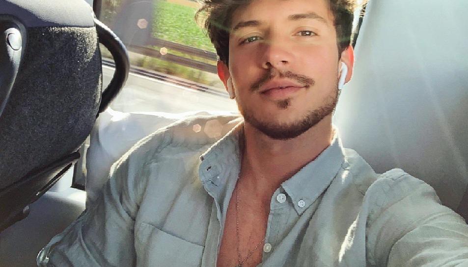Carlos Right, exconcursant d'Operación Triunfo, actuarà a la gira d'estiu de Cadena Dial.