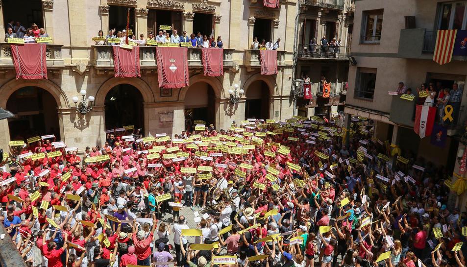 Protesta sobiranista a la plaça del Blat.