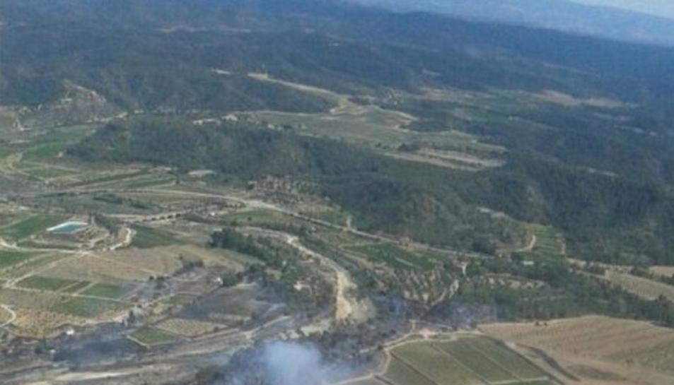Imatge aèria del foc de Batea.