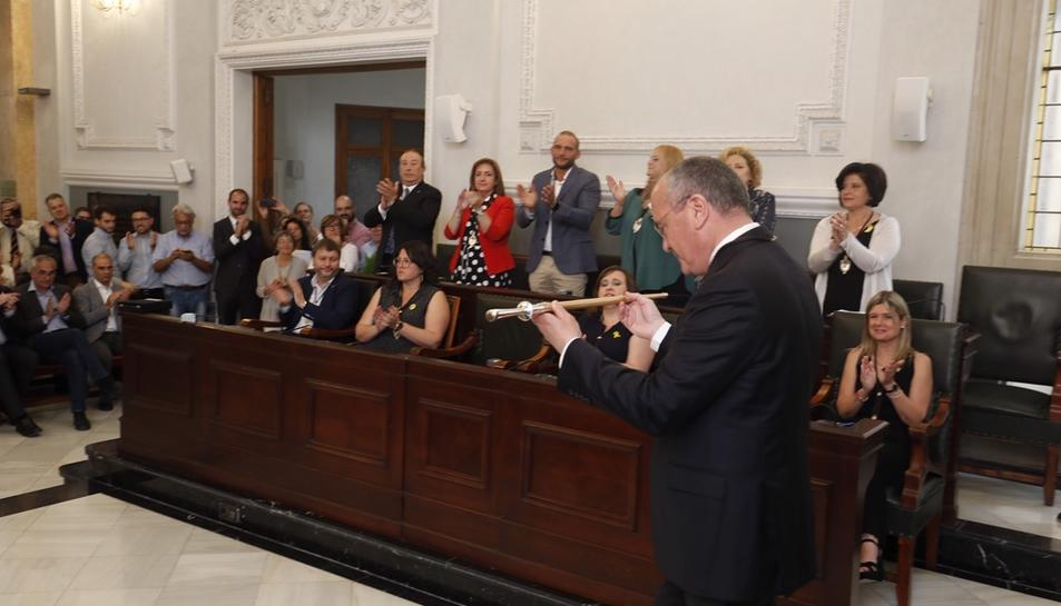 Carles Pellicer el passat 15 de juny recollint la vara d'alcalde de la ciutat per tercer mandat seguit.