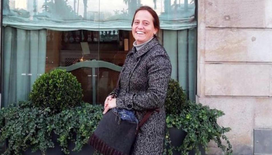 Teresa Cardona, la professora de l'escola Canigó de Barcelona, morta en accident de trànsit a Costa d'Ivori.