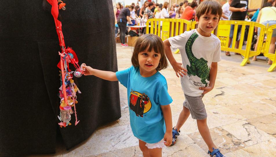 La plaça de Sant Pere ha acollit dos actes festius aquesta tarda.