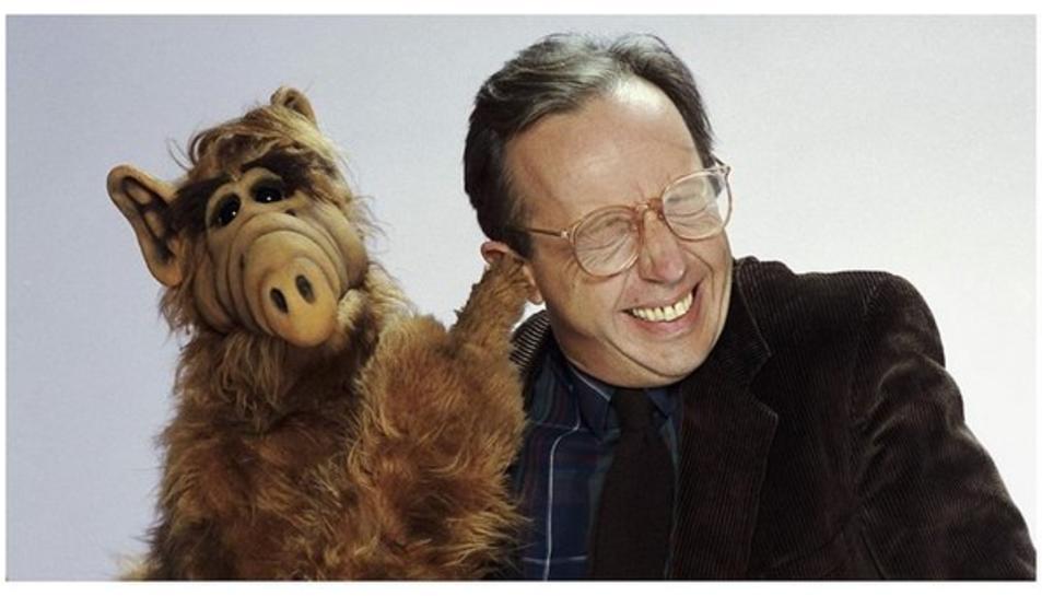 Wright encarnava el pare de la família que acollia l'estraterrestre Alf.