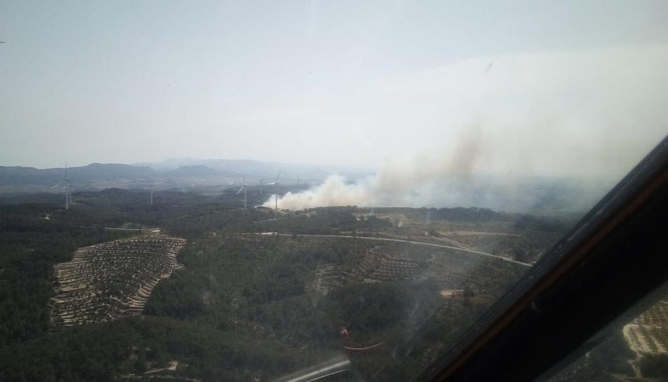 Imatge del nou incendi que ara afecta la Terra Alta.