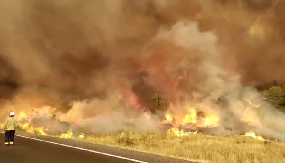 Imatge de les flames de l'incendi de Ribera d'Ebre.