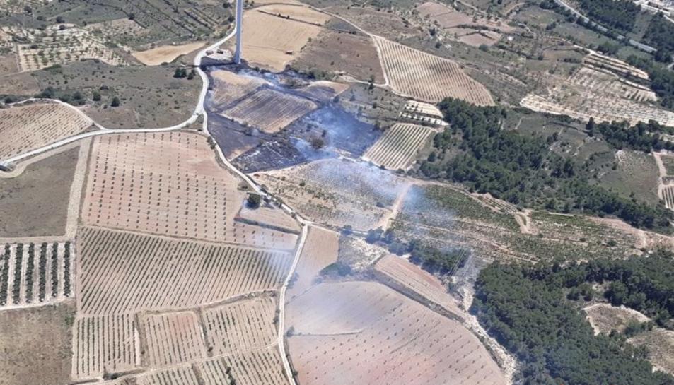 Imatge aèria de les revifades de l'incendi de Ribera d'Ebre.