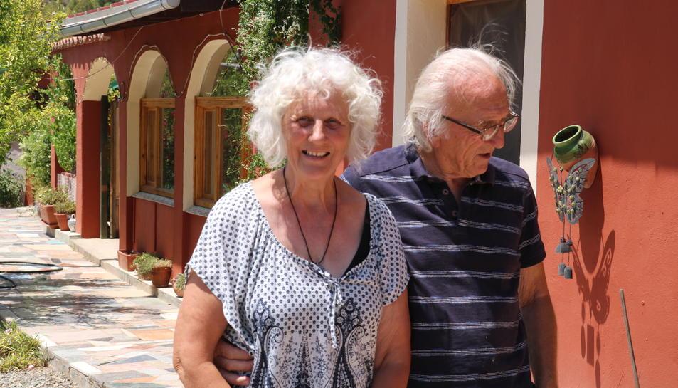 Julie Shepard, i el seu marit, retornats a casa després de cinc dies al centre d'acollida de Flix