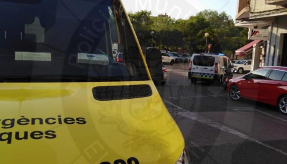 Al lloc dels fets s'hi ha desplaçat una ambulància del SEM i la Policia Local del Vendrell.