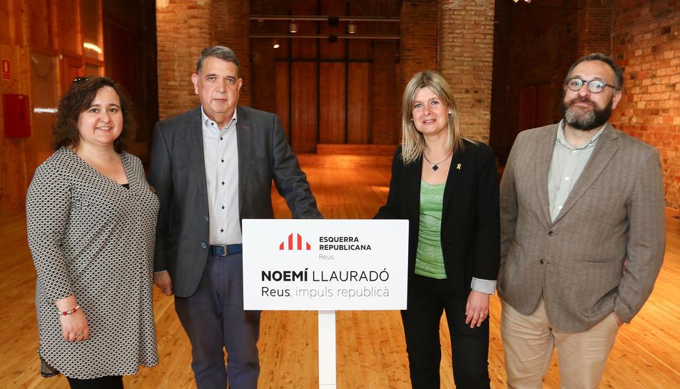 Montserrat Flores, Carles Parts, Noemí Llauradó i Daniel Recasens en un acte de campanya.