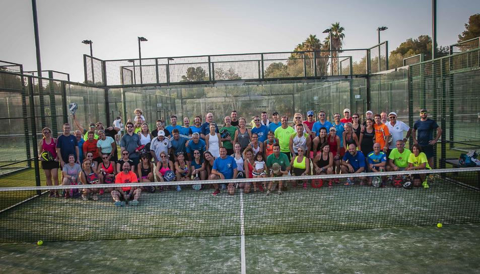 Els participants al torneig es van fotografiar després de finalitzar-lo.