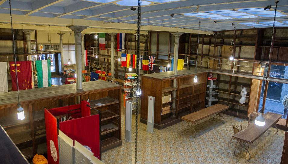 Una imatge d'arxiu de l'interior dela botiga, el dia del seu tancament, a finals de gener de 2018.