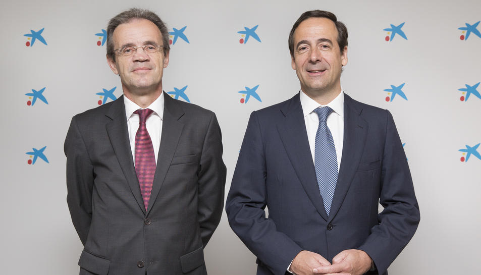 Jordi Gual, president de CaixaBank, i Gonzálo Cortázar, conseller delegat de CaixaBank.
