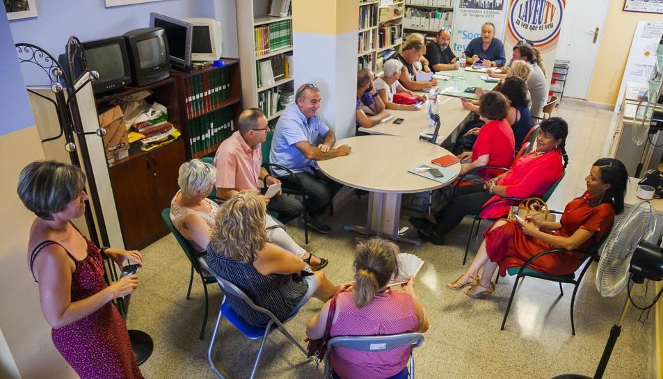 Una trentena de representants d'entitats es van reunir ahir a la seu de Fundació Mediterrània.