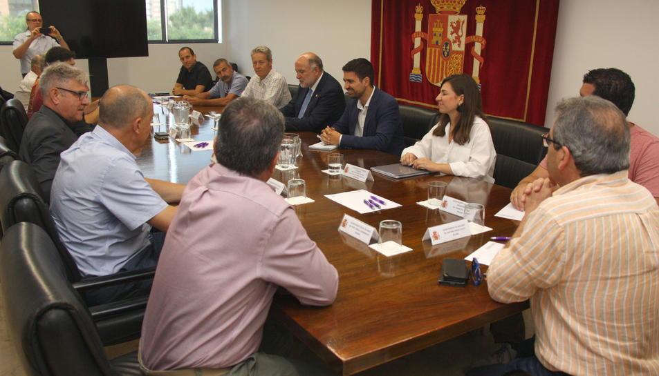 Reunió que han mantingut alcaldes del Baix Gaià amb el subdelegat del govern espanyol a Tarragona