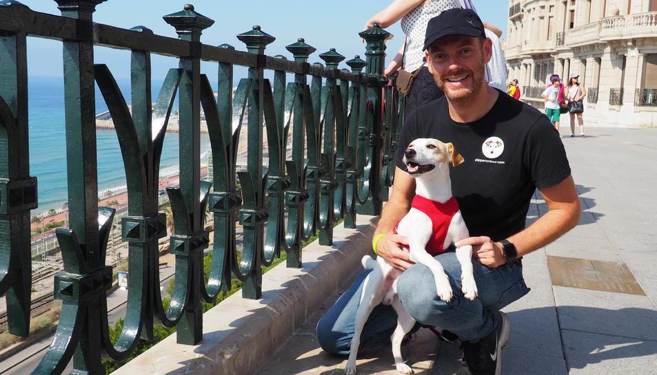 Pipper i el seu amo al Balcó del Mediterrani.