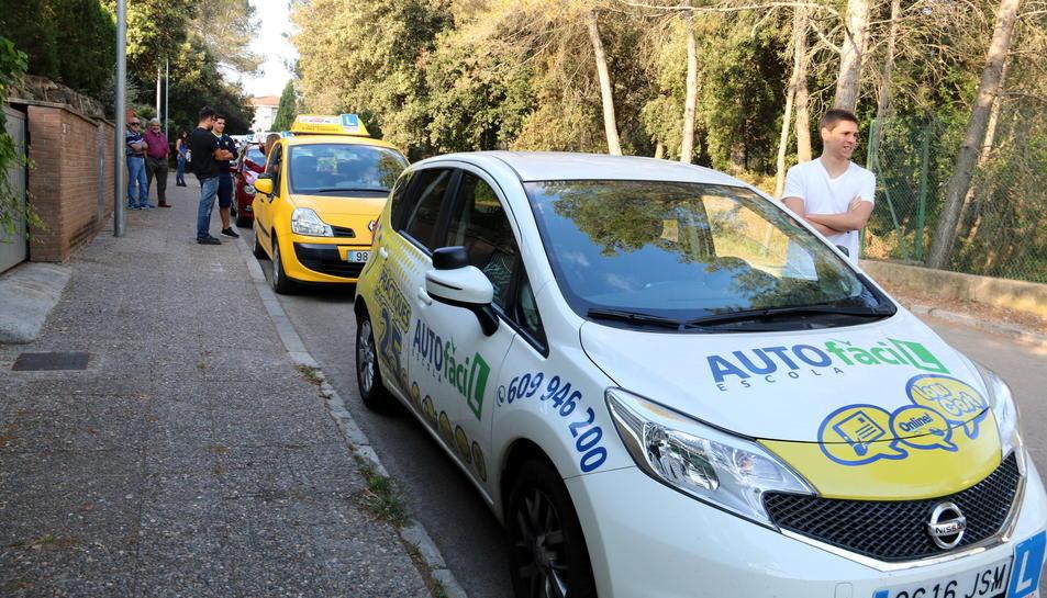Les autoescoles faran demà una marxa lenta a Barcelona.