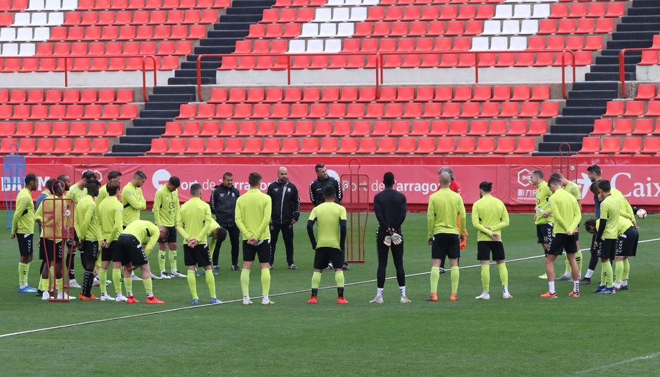 Xavi Bartolo dirigirà avui la primera sessió com a entrenador grana amb cinc dels sis fitxatges que s'ha presentat fins al moment.