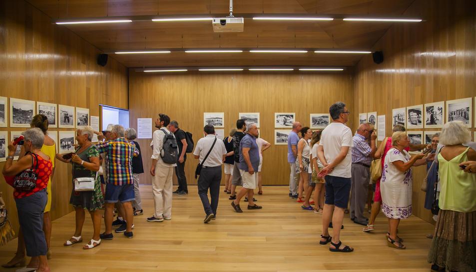 Inauguració de l'exposició, el passat dijous al vespre, al Centre Cívic de la Pineda.