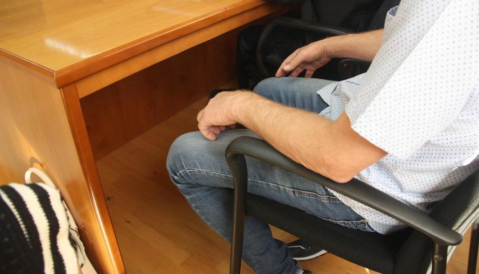Ll'acusat per un homicidi a Riudecanyes l'any 2018, durant el mut a l'inici del judici celebrat a l'Audiència Provincial.