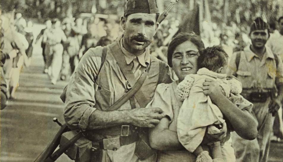 L'exposició del fotoperiodista Agustí Centelles abasta els primers anys de la Guerra Civil.