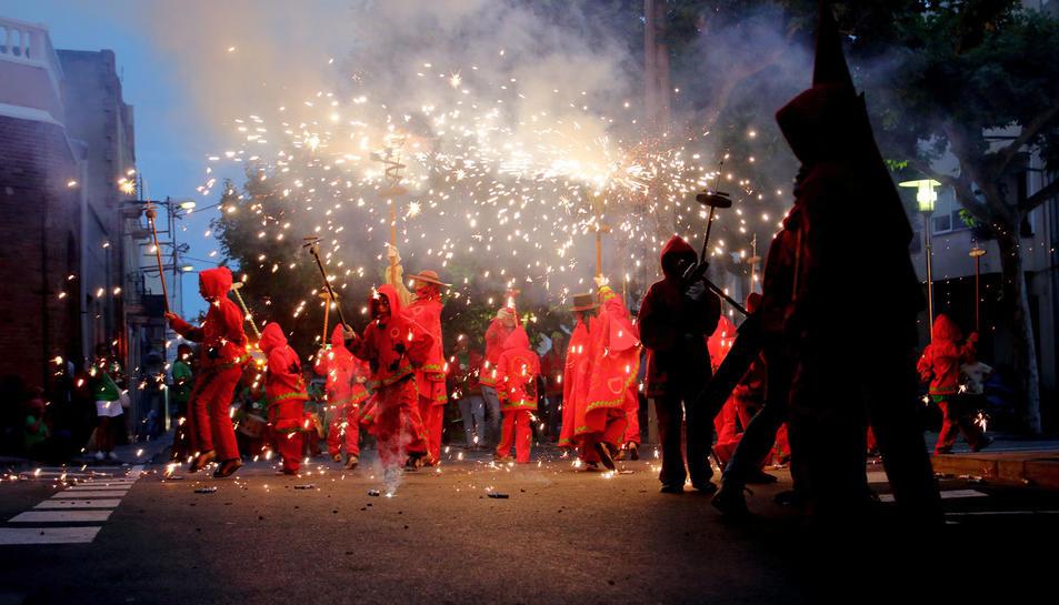 Imatge dels Diables petits durant la Festa Major del Morell anterior.