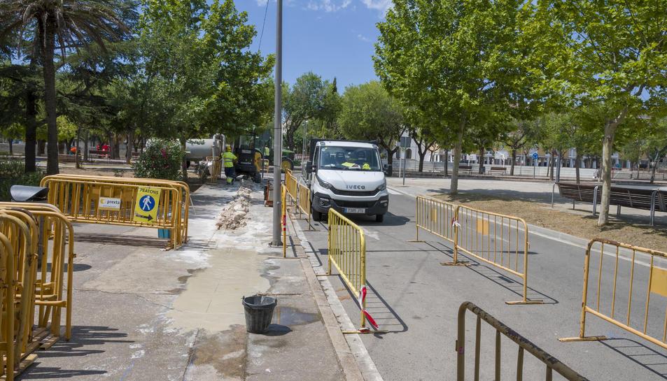 Imatge de les obres al carrer Centcelles de Constantí.