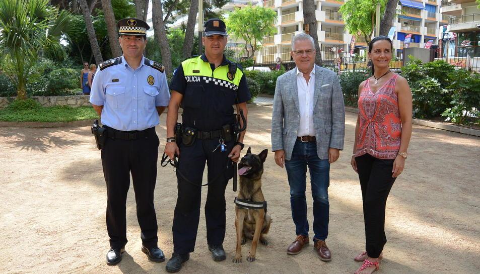 Imatge de la presentació de la patrulla canina de la Policia Local de Salou.