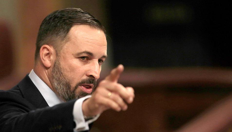 El líder de Vox, Santiago Abascal, s'adreça als diputats durant el debat d'investidura de Pedro Sánchez