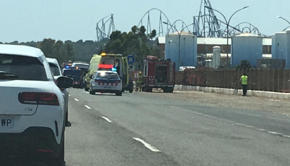 Imatge de l'accident entre una moto i una ambulància a Vila-seca.