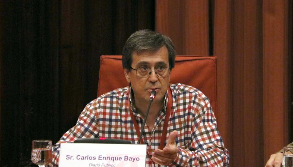 El cap d'investigació de  'Público', Carlos Enrique Bayo, durant la seva  compareixença a la comissió  d'investigació dels atemptats del 17-A.