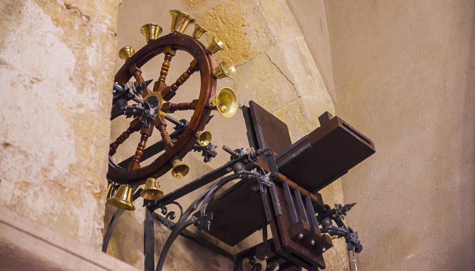 La roda de campanes i les matraques, dos instruments singulars al territori.