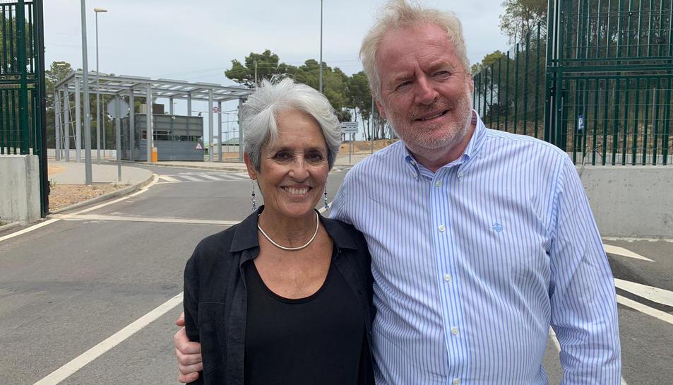 Joan Baez aquest divendres després de visitar l'expresidenta del Parlament Carme Forcadell a la presó de Mas d'Enric, el 26 de juliol del 2019 (horitzontal)