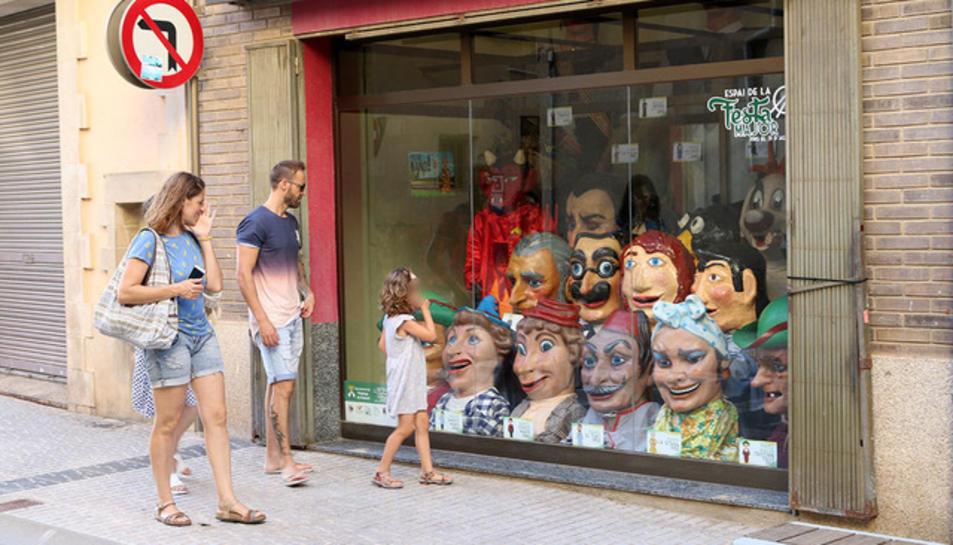 L'Espai de la Festa Major s'ha obert al número 22 del carrer Lluís Carulla.